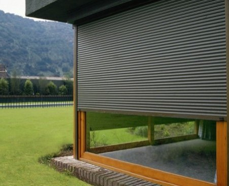 Alumini bartra fusteria d 39 alumini fabricaci pr pia - Cortinas de madera enrollables ...
